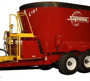 Supreme International 900T Feed Wagon