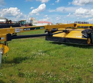 2016 Vermeer MC3700 Mower Conditioner