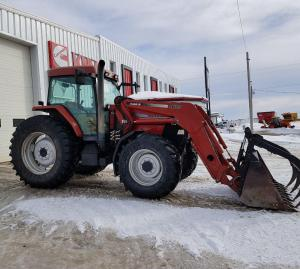 Case MX110 with Loader & Grapple