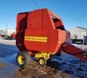 1993 New Holland 660 Baler